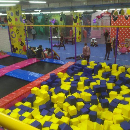 Установка детского игрового комплекса в Disney Club, ТРЦ «Либерти» в Кривом Роге.