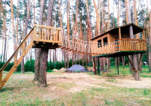 Строительство домика на дереве в Змиеве Харьковской области