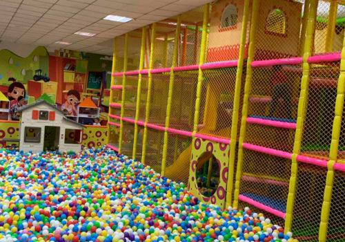 Строительство детского комплекса Kids Club в Кривом Роге